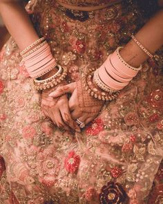 🌸 Completely crushing on the beautiful single-colored pink this bride wore! It's said that a bangle set is never… Bridal Bangles, Wedding Jewelry, Wedding Chura, Lehenga Wedding, Wedding Mehndi, Chuda Bangles, Bridal Chuda, Pakistani Wedding Outfits, Indian Outfits