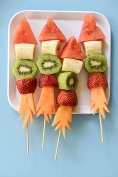 4th of July treats kids can make themselves: Firecracker Kabobs | Fork and Beans
