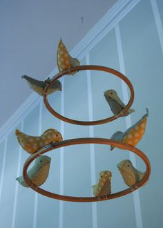 Bird Mobile I am doing this for the nusery. Great idea and so simple