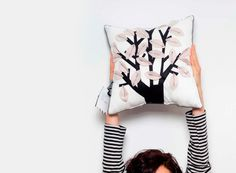 Fleece-Kissen mit Baum // pillow with tree via DaWanda.com