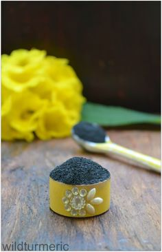 5 Top Uses & Benefits Of Activated Charcoal For Health, Teeth Whitening, Skin & Bloating