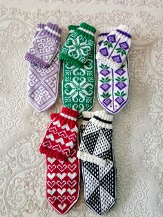Fair Isle Knitting, Knit Mittens, Sunglasses Case, Diy And Crafts, Ravelry
