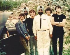 Sikhs & Beatles, a rare pix of the celebrity group.