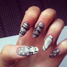 Stiletto nails #nailart #grey
