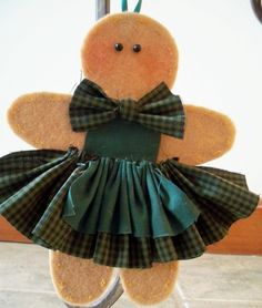 Gingerbread Girl Says Its Easy Wearing