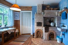 """""""Korolowa Chata"""" w Nowoberezowie, Polska. Cottage Living, Cottage Homes, Country Living, Kitchen Dining, Kitchen Island, Dining Rooms, Concept Home, Traditional Design, House Tours"""