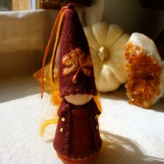 Reserved for Begging4Bacon Autumn Gnome Little por paintingpixie
