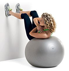 The (15-Minute) Belly Blasting Workout Wall Crunch and Twist Sit on a stability ball, facing a wall. Lie back so the middle to small of your back is resting on the ball. Place your feet hip-width apart on the wall with your knees bent 90 degrees; cross your arms over your chest. Curl up and twist through the waist to the left. Return to center and curl down so your back is parallel to the floor, then twist up to the right. That's one rep. Do 10 to 12.
