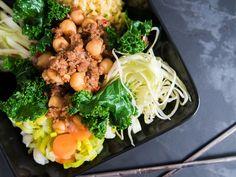 Näin koostat monipuolisen ja ruokaisan salaatin