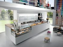 Refrigerated counter display case