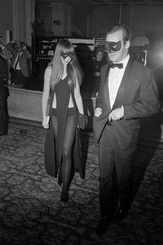 Penelope Tree at Capote's Black & White Ball, 1966.  LOVE that dress!!
