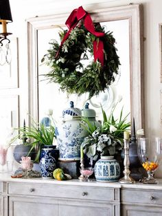 Enter To Win Two Chinoiserie Blue and White Porcelain Vases!- Enter To Win Two Chinoiserie Blue and White Porcelain Vases! Noel Christmas, White Christmas, Christmas Wreaths, Christmas Decorations, Xmas, Christmas Vignette, Christmas Colors, Home Decoracion, Decor Scandinavian