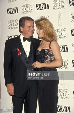 Robert Wagner and Stefanie Powers during Annual Golden Globe Awards at Beverly Hilton Hotel in Beverly Hills, California, United States. Get premium, high resolution news photos at Getty Images Old Tv Shows, Best Tv Shows, Favorite Tv Shows, Natalie Wood, Old Hollywood Stars, Hollywood Glamour, Hart Pictures, Epic Pictures, Stock Pictures