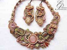 Editgyöngyei: április 2017 Soutache Necklace, Tassel Earrings, Boho Jewelry, Jewelry Design, Jewellery, Beaded Embroidery, Jewels, Beads, Bracelets