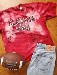 Alabama distressed gameday t-shirt Vintage Denim, Vintage Tops, Gold Formal Dress, Pink And White Dress, Green Cardigan, Sequin Shorts, Red Blouses, Cool Shirts, Alabama