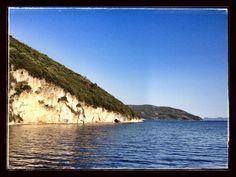 Dessimov - Lefkada 38^ 40.368 N - 20^ 42.880 E 27 giugno 2013 ore 19.25 Aperitivo time con tartine Mediterranea.