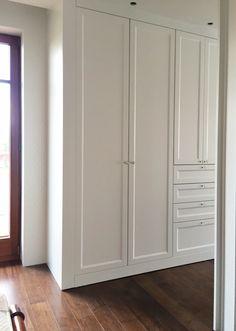 Bathroom storage cupboard hallways 32 Ideas for 2019 Bedroom Built In Wardrobe, Bedroom Built Ins, Bedroom Closet Design, Master Bedroom Closet, Wardrobe Storage, Closet Designs, Bedroom Storage, Wardrobe Wall, Zen Bathroom