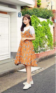 Korean Fashion – How to Dress up Korean Style – Designer Fashion Tips Korean Fashion Trends, Korean Street Fashion, Asian Fashion, Trendy Fashion, Fashion Models, Girl Fashion, Fashion Dresses, Fashion Design, Korea Summer Fashion