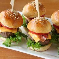 Mini Burger http://www.kochgourmet.com/mini-burger-1371.html