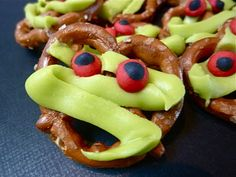 Pretzel Mummy Munchies ~ cute!