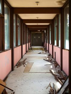 PHOTOS: Inside An Abandoned Luxury Resort In The Catskills - Business Insider