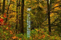waterfall backround free hd widescreen, 3456x2295 (2633 kB)