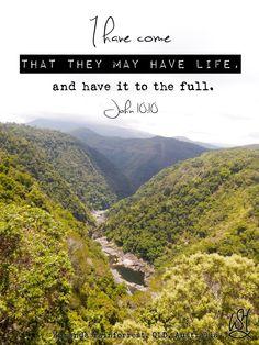 We hoeven niet bang te zijn voor de toekomst en hoe het allemaal gaat lopen als we keuzes maken met en voor God. Hij is degene die leven geeft, het eeuwige leven. En niet zomaar een random leven. Nee; to the full, to the max., in alle volheid en overvloed.