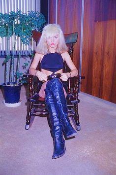 Deborah Harry Blondie visiting Shinko Music, Tokyo, January Get premium, high resolution news photos at Getty Images 80s Rock Fashion, Blondie Debbie Harry, Debbie Harry Style, Vintage Classics, Japan Photo, Music Photo, Future Fashion, Blondies, Cute Outfits