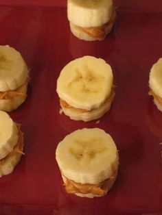 Frozen peanut butter banana bites. Healthy and yummy!