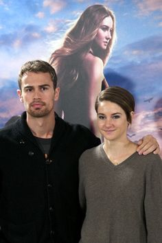 Shailene Woodley and Theo James Photos - SiriusXM's Entertainment Weekly Radio Channel Broadcasts From Comic-Con 2014 - Zimbio Divergent Film, Divergent Theo James, Insurgent Movie, Divergent Hunger Games, Tris Et Quatre, Shailene Woodly, Tris And Four, Divergent Insurgent Allegiant, Veronica Roth