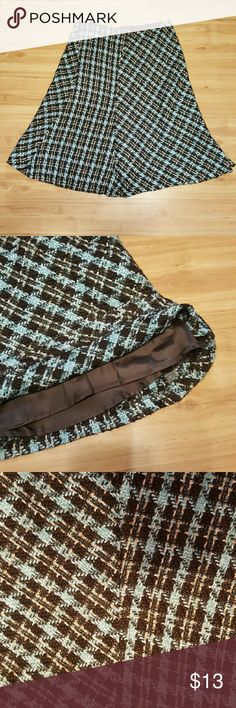 Skirt Gorgeous plaid skirt fully lined.  Would look amazing with a brown jacket and brown boots! Come and get it....let's make a deal!!! Skirts Midi