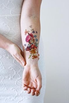 Beautiful large vintage floral temporary tattoo: