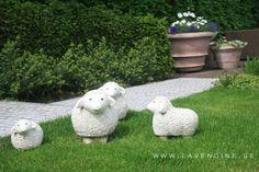 keramiek schaapjes op het gazon