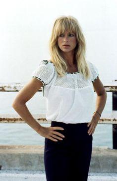 greatest bangs ... Goldie Hawn 1992 | CRISSCROSS