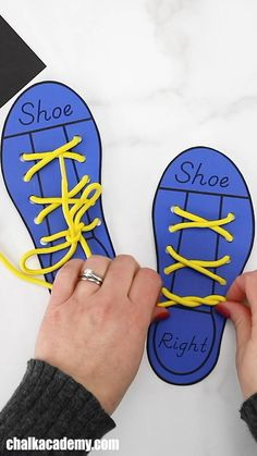 Printable Shoe Lacing Practice for Kids (English, Chinese, Korean)! Help kids improve fine motor skills and learn to read shoe, left, and right with this free template. Motor Skills Activities, Preschool Learning Activities, Infant Activities, Fine Motor Skills, Young Toddler Activities, Preschool Charts, Activity Games For Kids, English Activities For Kids, Word Family Activities