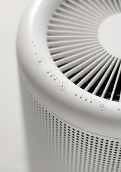 MUJI MJ-AP1 | 空気清浄機「MJ-AP1」は、企画・デザインを良品計画が、技術設計・開発をバルミューダが担当。