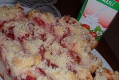 Jahodový koláč z podmáslí (kefíru) Kefir, Cauliflower, Dairy, Cheese, Vegetables, Food, Cauliflowers, Meal, Eten
