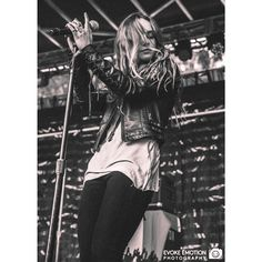 Wooohoooo. Just snagged Zella Day tickets for €10. No idea how far out Hoxton is, but I'll gladly tread rocky roads if that's what it takes to see this chick. Manhandling Patrick C. along for this journey #gigbudsforlife