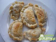 Pierogi z opieńkami i kiszoną kapustą Pierogi, Shrimp, Meat, Chicken, Food, Kitchens, Meals, Cubs