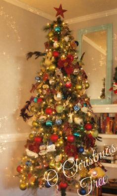 #Christmas Decorating on a Budget -- tips everyone should know for the holidays.