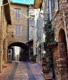 Travel, Cafe Racers and Fashion. Come with me on an adventure. Living In Italy, Beautiful Streets, Motogp, Motocross, Scenery, Racing, Adventure, Lifestyle, Architecture