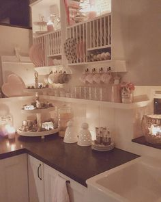 "255 Likes, 18 Comments - LOW-BUDGETSTYLING By Tamara ♡ (@lovelyhomeandme) on Instagram: ""💟 lovely nook in my kitchen :) enjoy your evening sweet people.. #kitchen #landelijkestijl…"""