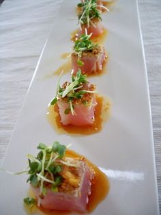 Lecker :) Tuna Tataki With Ginger Dressing Sushi Recipes, Seafood Recipes, Asian Recipes, Appetizer Recipes, Cooking Recipes, Healthy Recipes, Cooking Food, Sauce Recipes, Cooking Time