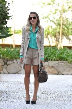 NATI VOZZA - GLAM4YOU - ANALOREN - TRENCH COAT - LOOK - SHORT LINHO - LOOK CONJUNTINHO - BEGE - NUDE - VERDE ÁGUA - MINT GREEN