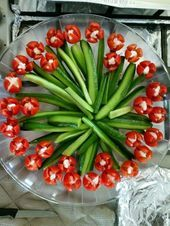 Bouquet of sausage and greens - Anne Burker - Food Carving Ideas Veggie Recipes, Appetizer Recipes, Cooking Recipes, Healthy Recipes, Healthy Food, Easter Appetizers, Party Appetizers, Healthy Kids, Dinner Recipes
