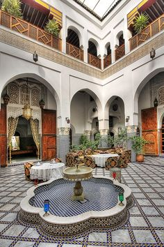 A large part of me would totally love to live in a Moroccan style house. Definitely some of the most beautiful architecture in the world.