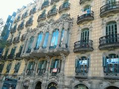 2. Afterwards, if you need some sightseeing tips, you can drop by the tourist information booth. Another good option is a walk up to the nearby neighbourhood of Gràcia, where you'll be able to have lunch in one of its many charming squares