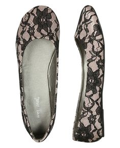 Ballet flats and lace.  A perfect combo.