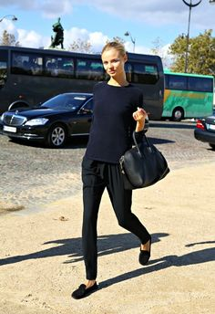 Make a navy crew-neck jumper and black casual pants your outfit choice to  get a laid-back yet stylish look. Black suede loafers will bring a classic  ... 52cf3e996495