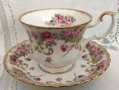 English Vintage ROYAL ALBERT Fine Bone China Tea Cup and Saucer